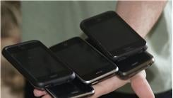 Most iPhone 3GS Held In Hand At Once