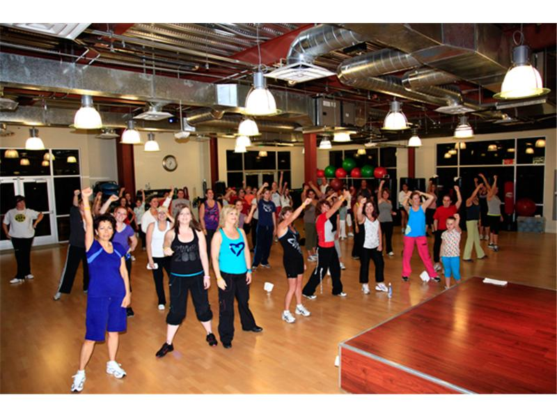 Largest Group Of Zumba Dancers Wearing LIVESTRONG Bracelets Dancing To