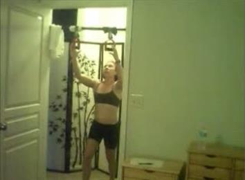 Most Shoulder-Level Perfect Pull-Ups In Three Minutes