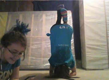 longest headstand while wearing mismatched socks  world