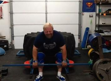 Most Reps Deadlifting A 600-Pound Giant Tire